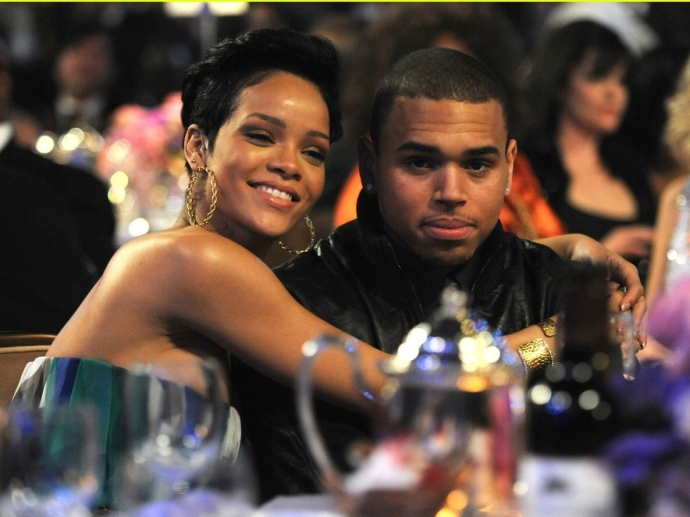 rihanna-chris-brown-grammys-01
